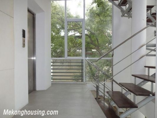 Spacious studio apartment for rent in Dang Thai Mai street, Tay Ho district, Hanoi 1