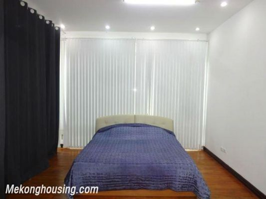 Spacious studio apartment for rent in Dang Thai Mai street, Tay Ho district, Hanoi 5