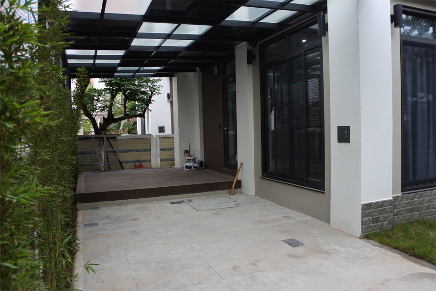 Spacious villa with 6 bedrooms for rent in Starlake, Tay Ho district. 17