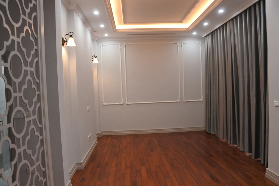 Spacious villa with 6 bedrooms for rent in Starlake, Tay Ho district. 3