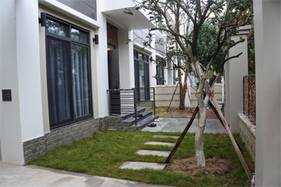 Spacious villa with 6 bedrooms for rent in Starlake, Tay Ho district.
