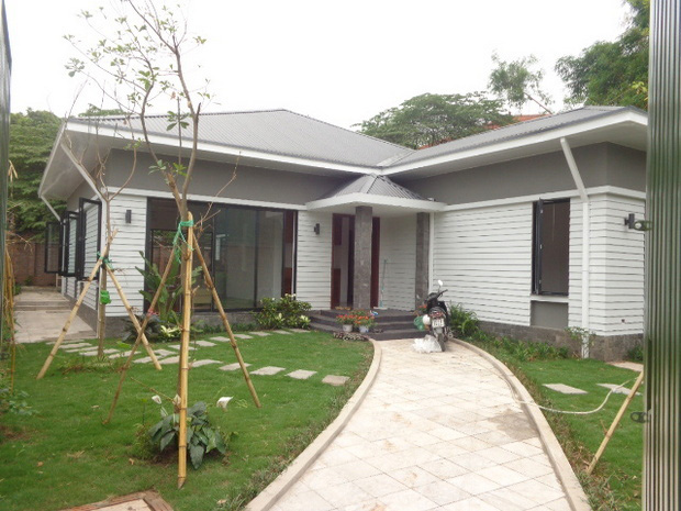 Brand new villa with beautiful garden, 500 sqm for rent in Dang Thai Mai street, Tay Ho, Hanoi