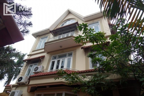 Spacious villa with large garden and out-door swimming pool for rent in To Ngoc Van street, Westlake area, Hanoi 2