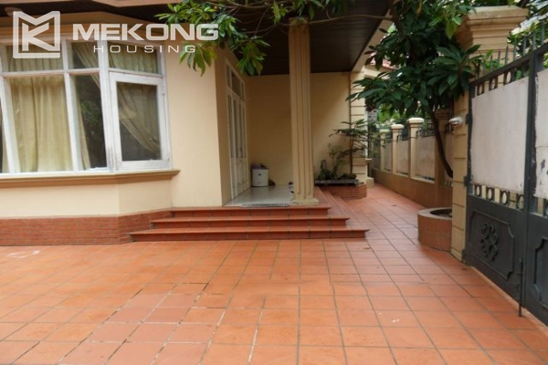 Spacious villa with large garden and out-door swimming pool for rent in To Ngoc Van street, Westlake area, Hanoi 3