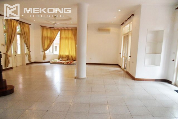 Spacious villa with large garden and out-door swimming pool for rent in To Ngoc Van street, Westlake area, Hanoi 10