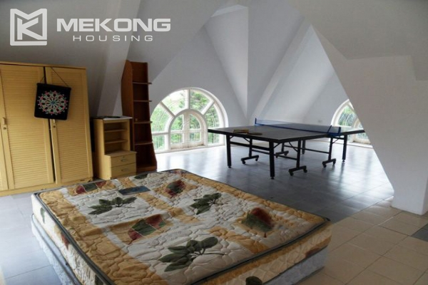 Spacious villa with large garden and out-door swimming pool for rent in To Ngoc Van street, Westlake area, Hanoi 11