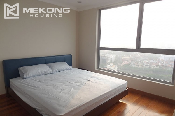 Stunning apartment with 2 bedroom and big balcony for rent in Vinhomes Nguyen Chi Thanh 12