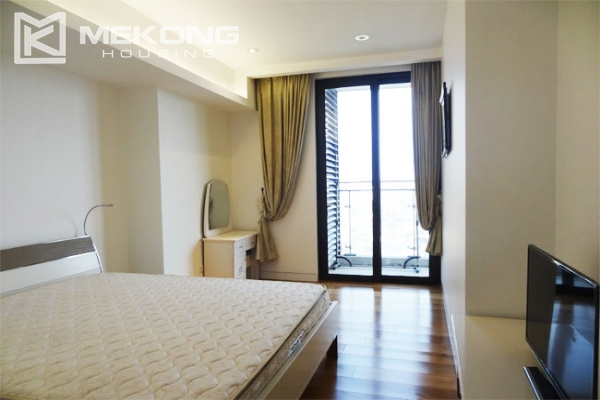 Stunning apartment with 2 bedrooms for rent in Indochina Plaza Hanoi 5