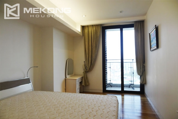 Stunning apartment with 2 bedrooms for rent in Indochina Plaza Hanoi 7
