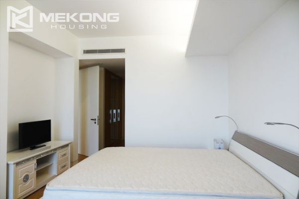 Stunning apartment with 2 bedrooms for rent in Indochina Plaza Hanoi 8