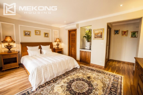 Stunning apartment with 2 bedrooms for rent in Thai Phien street, Hai Ba Trung district 4