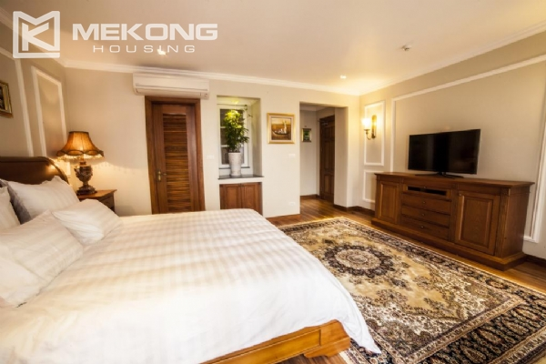 Stunning apartment with 2 bedrooms for rent in Thai Phien street, Hai Ba Trung district 5
