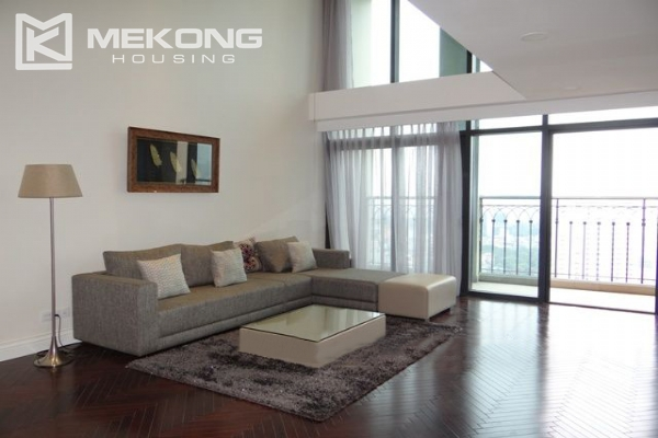 Stunning duplex apartment for rent in Hoang Thanh building 2