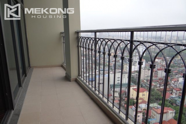 Stunning duplex apartment for rent in Hoang Thanh building 4