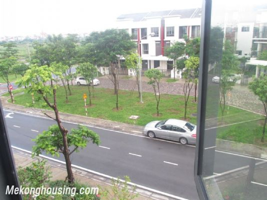Stunning villa with 3 bedrooms and beautiful landscape view for rent in Gamuda Gardens, Hoang Mai, Hanoi 19