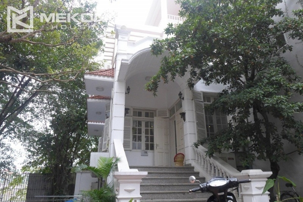 Style villa to rent with swimming pool in Au Co street, Tay Ho 2