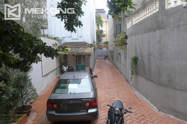 Style villa to rent with swimming pool in Au Co street, Tay Ho 5