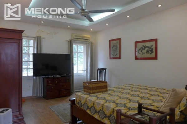 Style villa to rent with swimming pool in Au Co street, Tay Ho 1