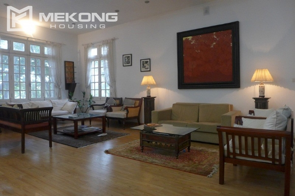 Style villa to rent with swimming pool in Au Co street, Tay Ho 9