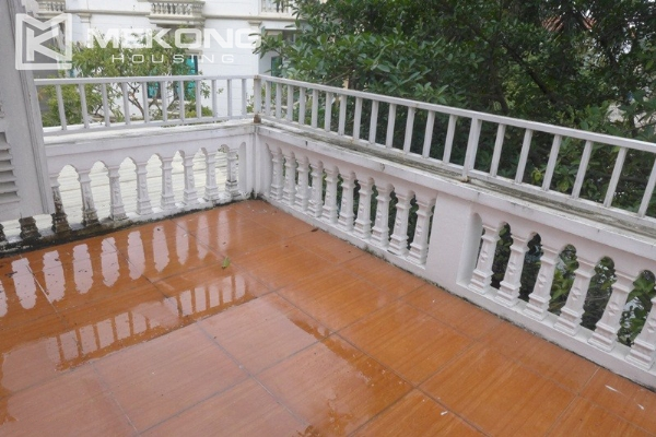 Style villa to rent with swimming pool in Au Co street, Tay Ho 3
