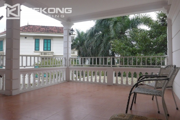 Style villa to rent with swimming pool in Au Co street, Tay Ho 6