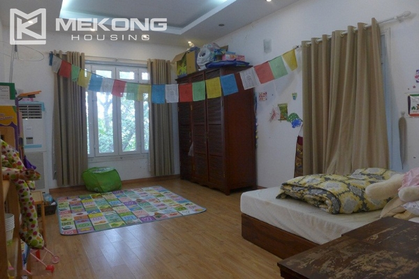 Style villa to rent with swimming pool in Au Co street, Tay Ho 13