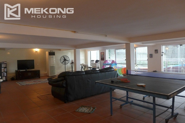 Style villa to rent with swimming pool in Au Co street, Tay Ho 7