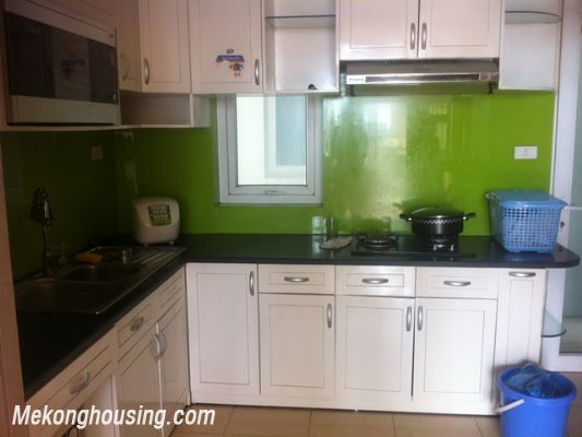 Three bedroom apartment for rent in Xuan Thuy street, Cau Giay district, Hanoi. 3