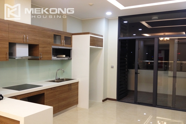 Trang An Complex apartment for rent with 2 bedrooms 2