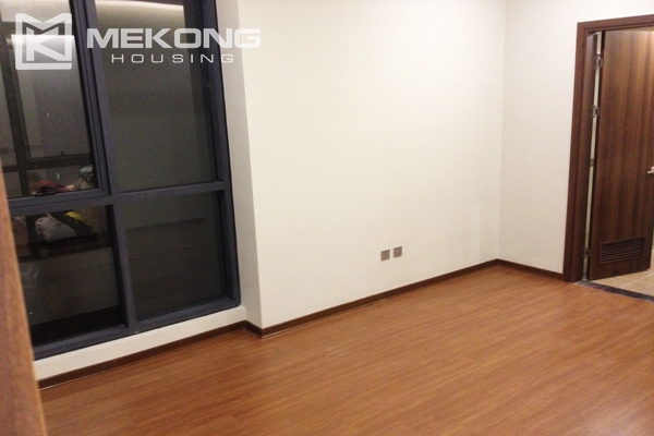 Trang An Complex apartment for rent with 2 bedrooms 3