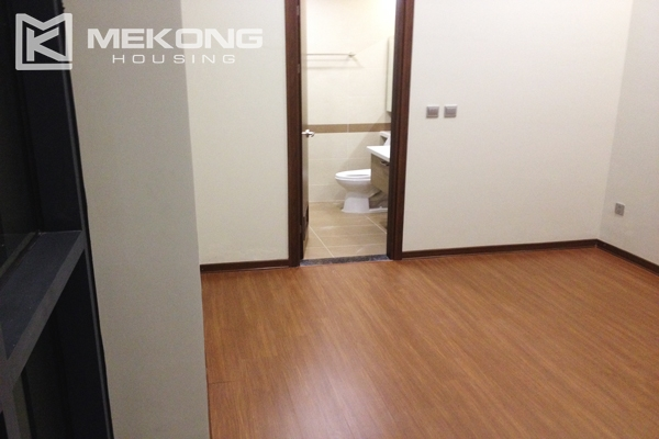 Trang An Complex apartment for rent with 2 bedrooms 4