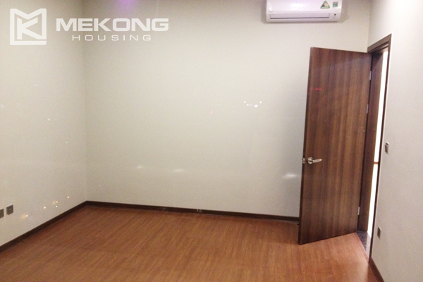 Trang An Complex apartment for rent with 2 bedrooms 6