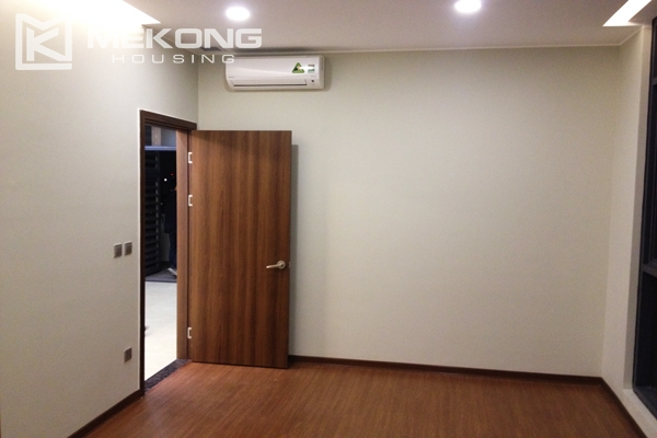 Trang An Complex apartment for rent with 2 bedrooms 7