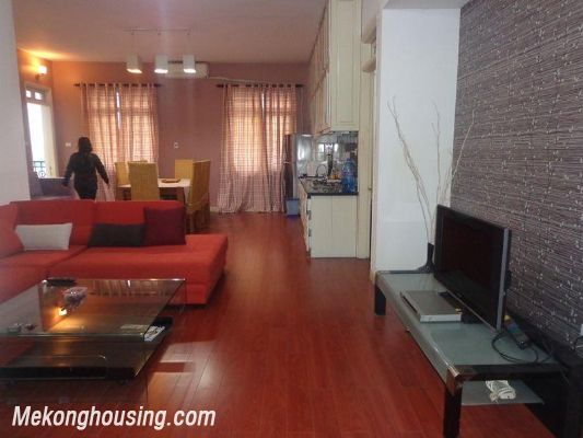 Two bedrooms apartment for rent in Doi Nhan street, Ba Dinh district, Hanoi 2