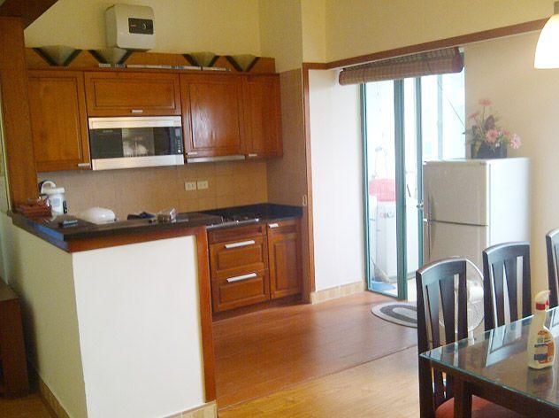 Two bedrooms apartment for rent in Hoang Hoa Tham street, Ba Dinh district, Hanoi