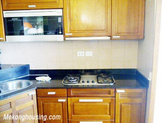 Two bedrooms apartment for rent in Hoang Hoa Tham street, Ba Dinh district, Hanoi 4