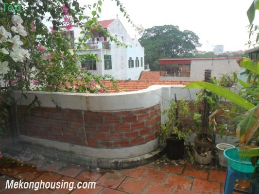Two bedrooms apartment with large balcony for rent in Van Mieu, Dong Da, Hanoi 5