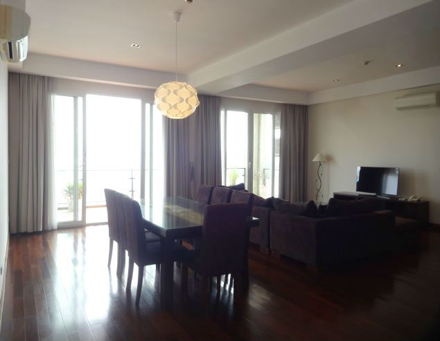Two big bedrooms serviced apartment for rent in Xuan Dieu street, Tay Ho district, Hanoi