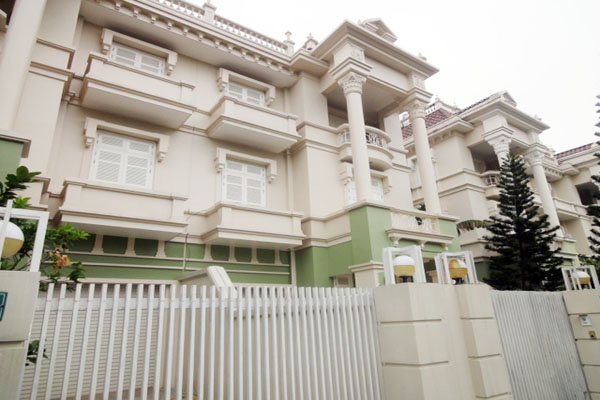 Unfurnished and spacious villa with 5 bedrooms for rent in T block, Ciputra Hanoi
