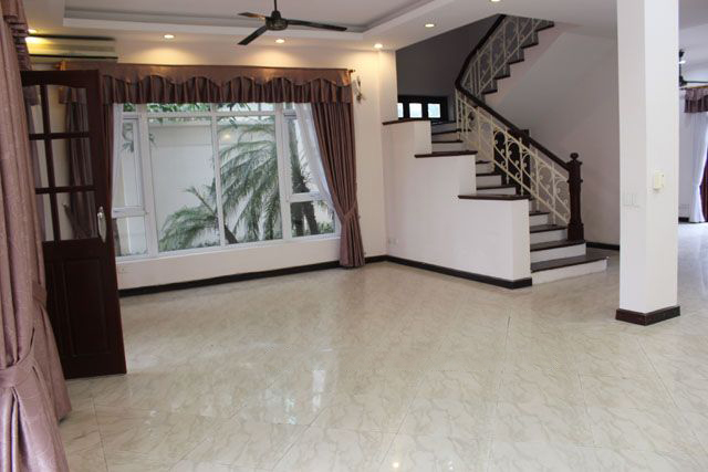 Unfurnished and spacious villa with 6 bedrooms for rent in C7 block, Ciputra Hanoi