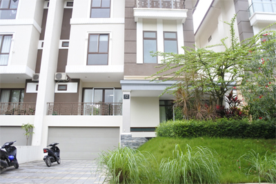 Unfurnished villa for rent with 5 bedrooms for rent in Q block, Ciputra Hanoi