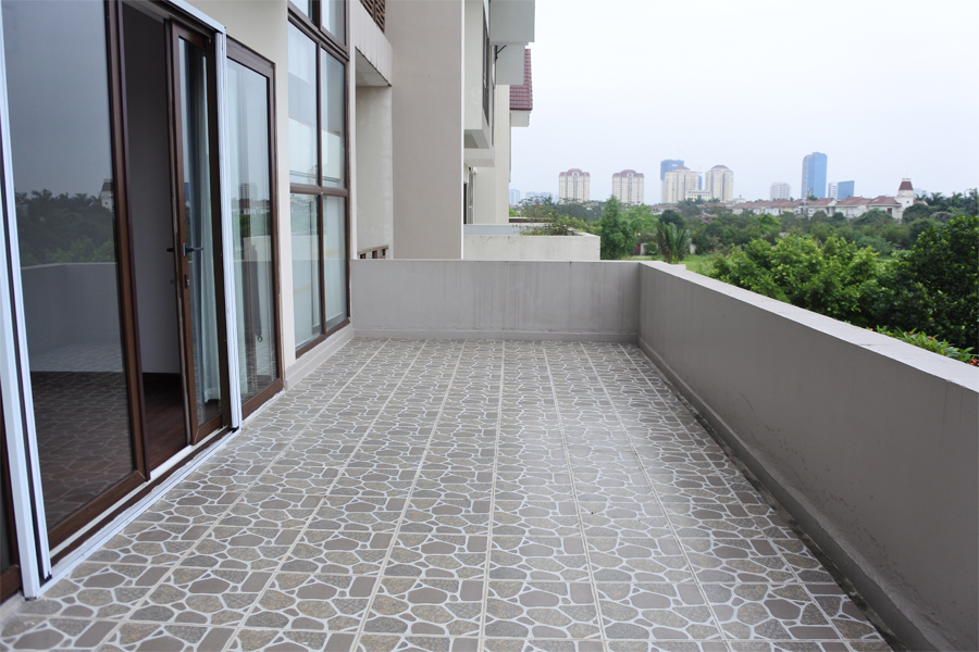 Unfurnished villa for rent with 5 bedrooms for rent in Q block, Ciputra Hanoi 12