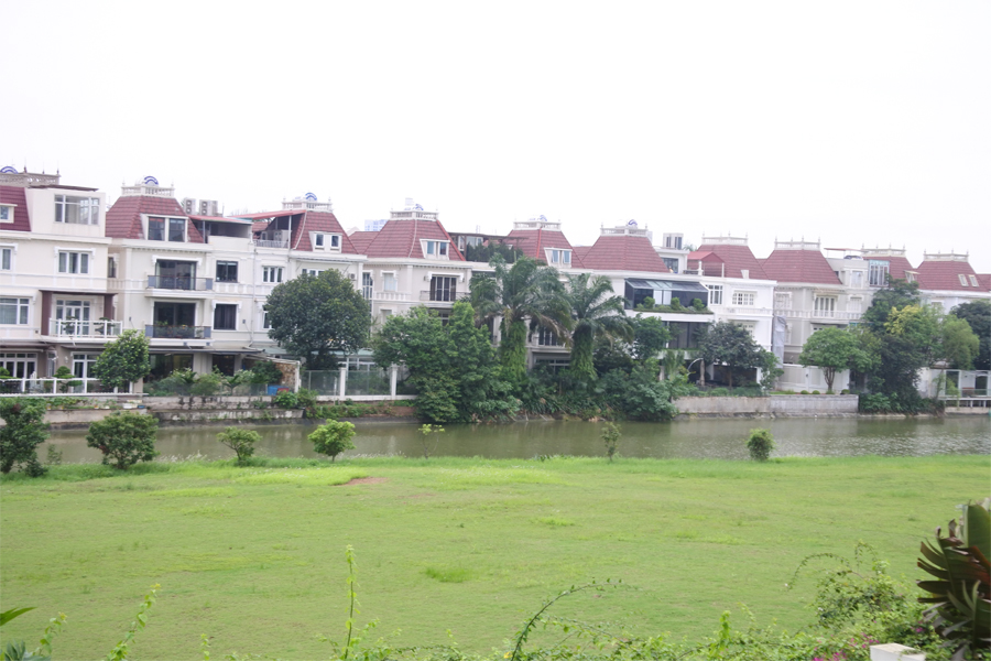 Unfurnished villa for rent with 5 bedrooms for rent in Q block, Ciputra Hanoi 13