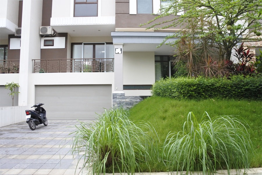 Unfurnished villa for rent with 5 bedrooms for rent in Q block, Ciputra Hanoi 2