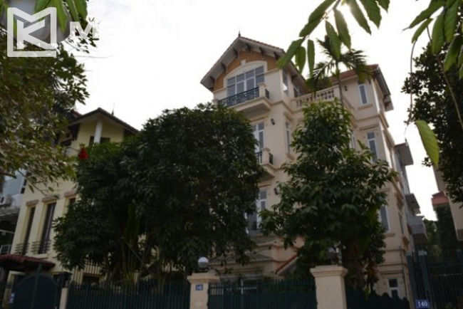 Unique villa with swimming pool in Nghi Tam