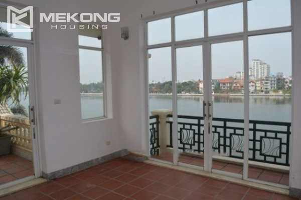 Unique villa with swimming pool in Nghi Tam 3