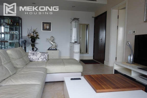 Very beautiful lake view apartment with 3 bedrooms in Golden Westlake 5