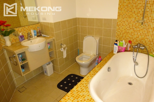 Very beautiful lake view apartment with 3 bedrooms in Golden Westlake 14
