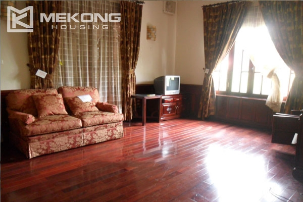 Very big villa with 8 bedrooms for rent in Thang Long International Village 6