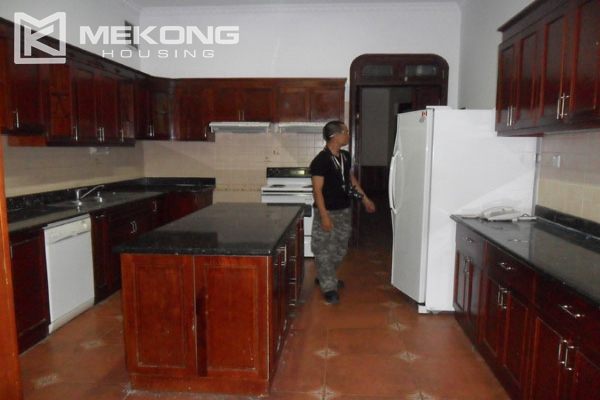 Very big villa with 8 bedrooms for rent in Thang Long International Village 8